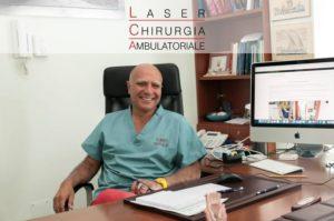 il Dott. Nemati, proctologo, nel suo centro unità di colonproctologica